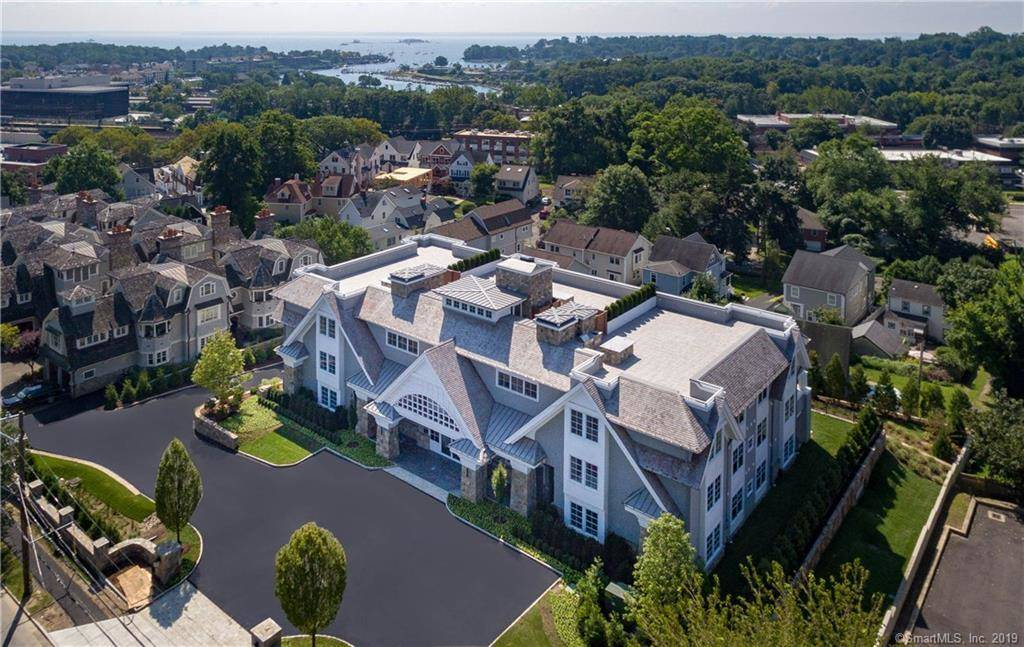 Luxury Condo Home Sold in Greenwich CT 06830. Contemporary house near waterfront with 2 car garage.