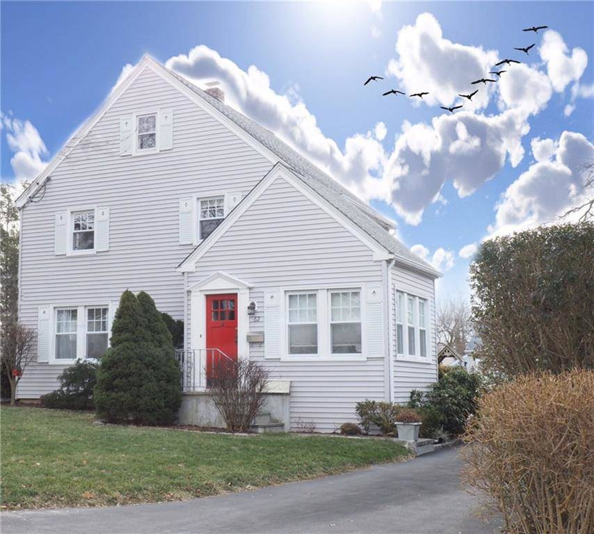 Single Family Home Sold in Stamford CT 06907. Old colonial house near waterfront with 2 car garage.