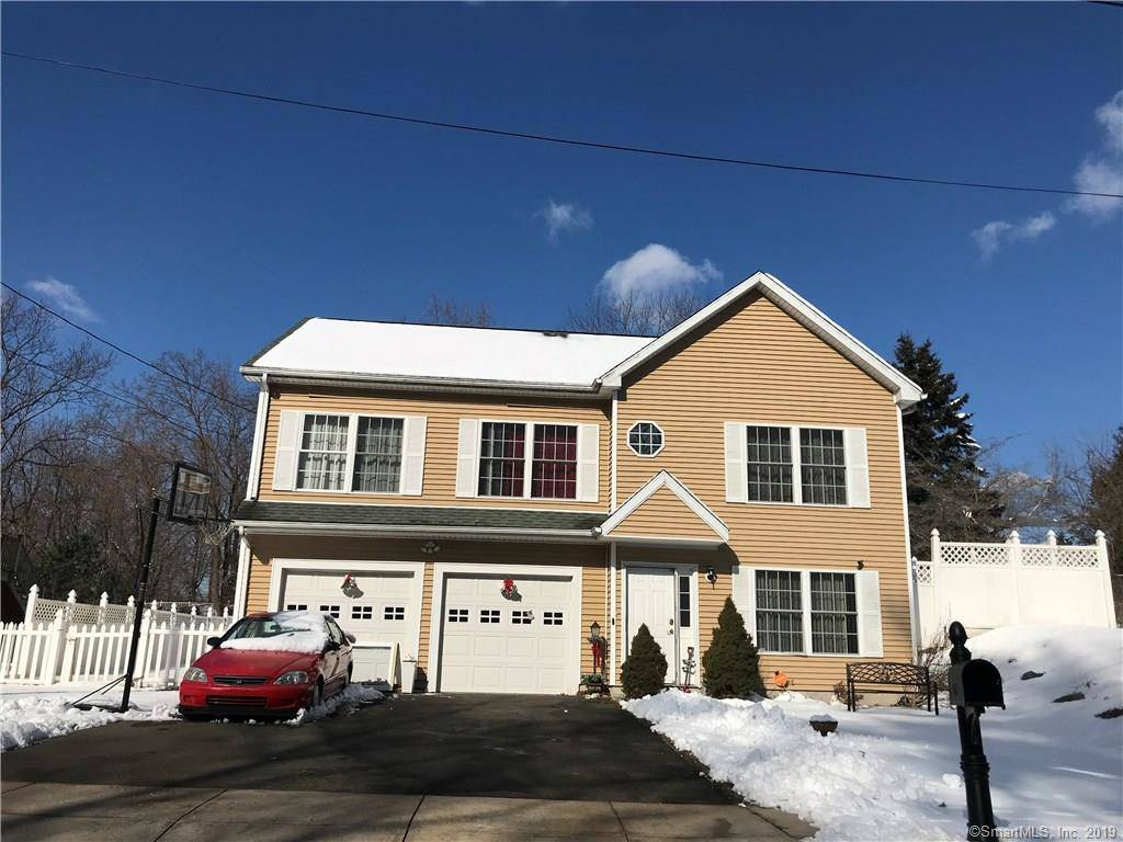 Short Sale: Single Family Home Sold in Bridgeport CT 06610. Ranch house near beach side waterfront with 2 car garage.