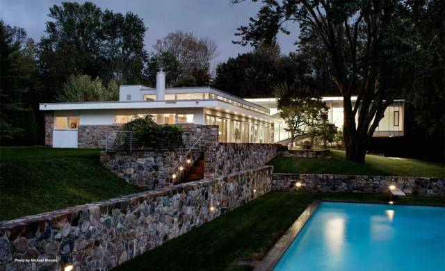 Luxury Single Family Home Sold in New Canaan CT 06840. Contemporary house near waterfront with swimming pool and 2 car garage.