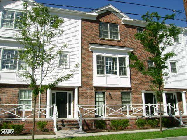 Condo Home Rented in Fairfield CT 06824.  townhouse near waterfront with 2 car garage.