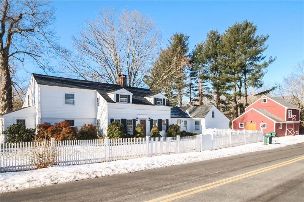 Single Family Home Sold in Brookfield CT 06804. Old colonial, antique house near waterfront with 1 car garage.