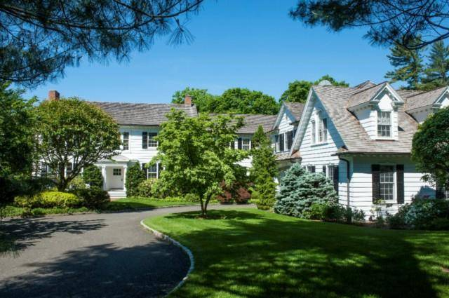 Luxury Mansion Sold in New Canaan CT 06840. Old colonial house near waterfront with swimming pool and 6 car garage.