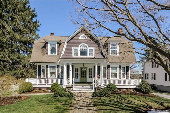 Single Family Home Sold in Danbury CT 06810. Old colonial house near waterfront with swimming pool and 3 car garage.