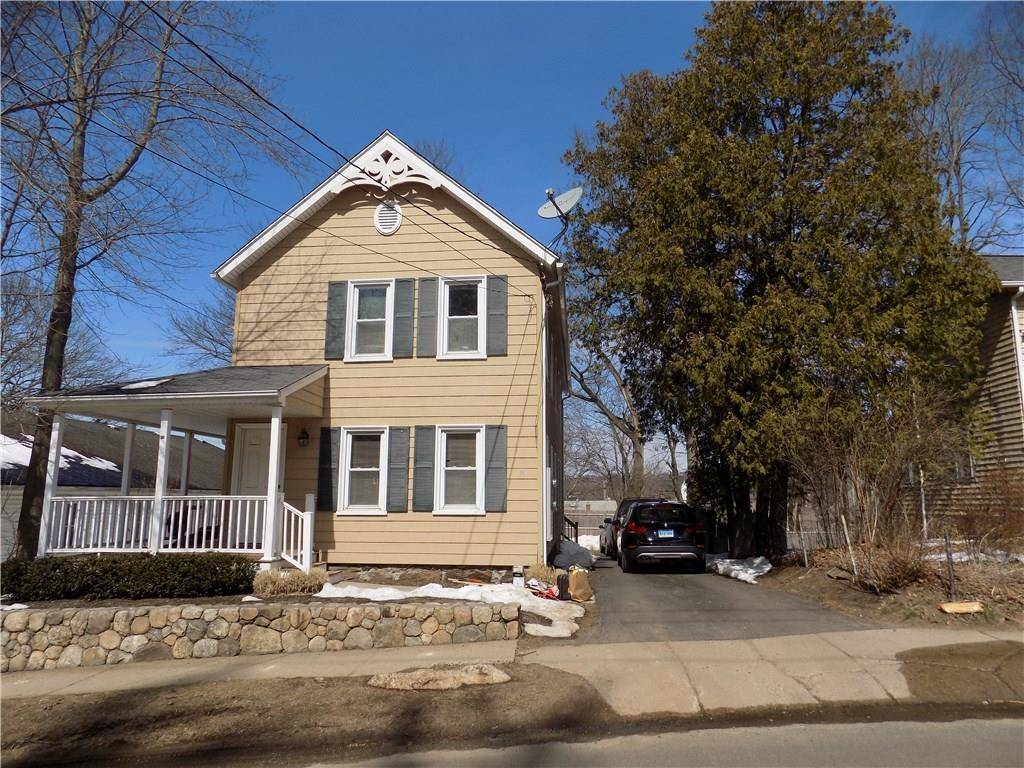 Multi Family Home Rented in Bethel CT 06801. Old colonial house near waterfront.