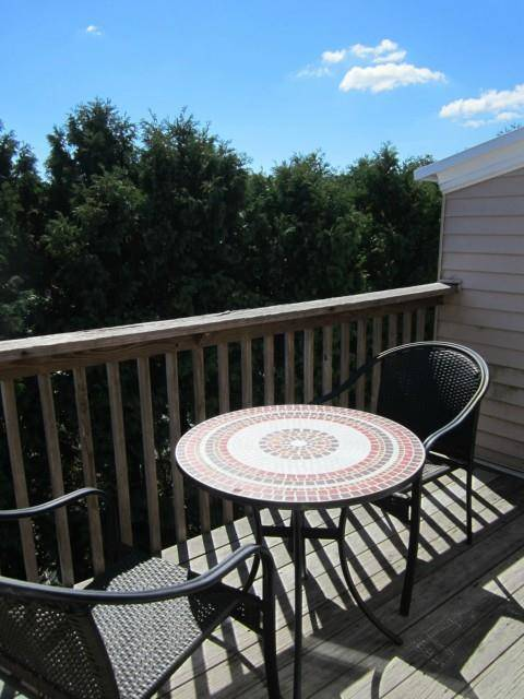 Condo Home Rented in Shelton CT 06484. Ranch house near waterfront with swimming pool.