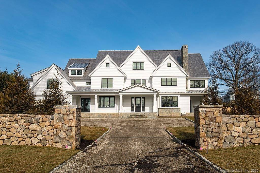 Luxury Mansion For Sale in Westport CT 06880. Big colonial house near waterfront with swimming pool and 3 car garage.