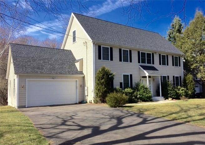 Foreclosure: Single Family Home Sold in Norwalk CT 06851. Colonial house near waterfront with 2 car garage.