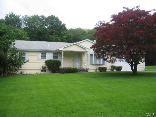Single Family Home Rented in Danbury CT 06811. Ranch house near waterfront with 2 car garage.