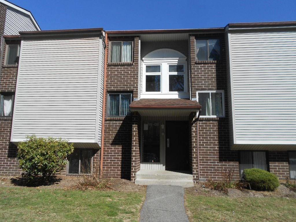 Foreclosure: Condo Home Sold in Danbury CT 06811. Ranch house near waterfront.