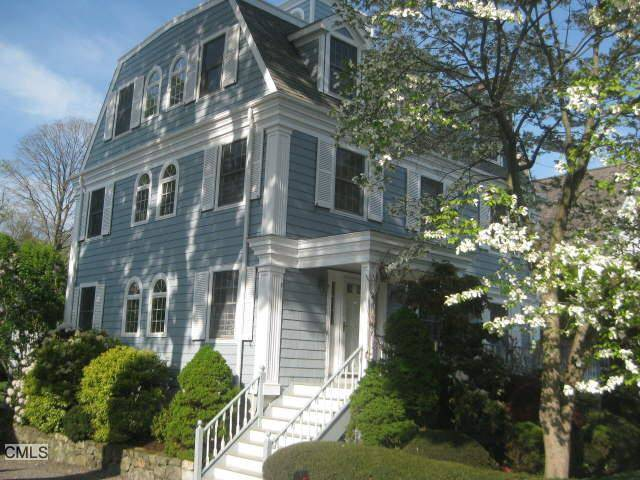 Single Family Home Rented in Norwalk CT 06853. Colonial house near beach side waterfront with 1 car garage.