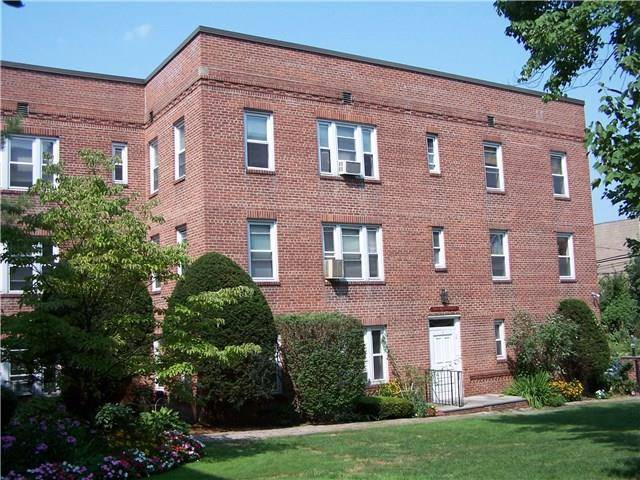 Condo Home Rented in Stamford CT 06902. Old  house near waterfront.