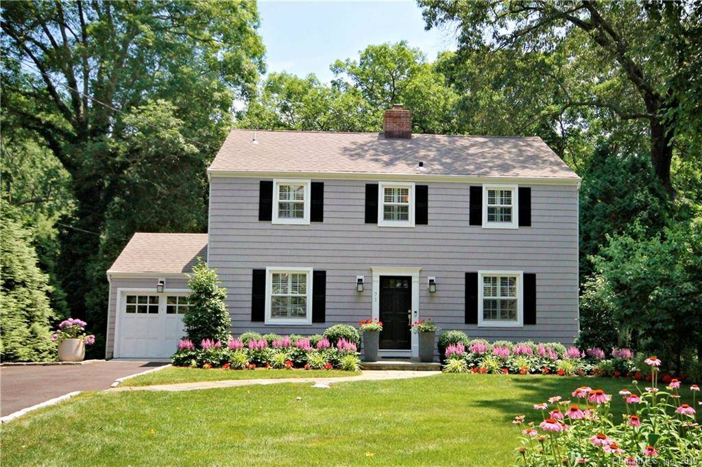 Single Family Home Sold in Stamford CT 06903. Colonial house near river side waterfront with 1 car garage.