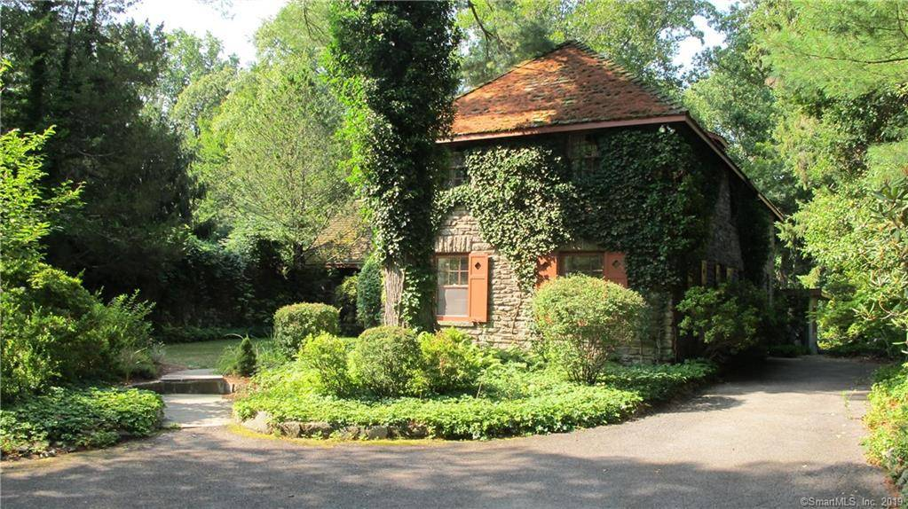 Single Family Home Rented in Greenwich CT 06831. Old  house near waterfront with 1 car garage.