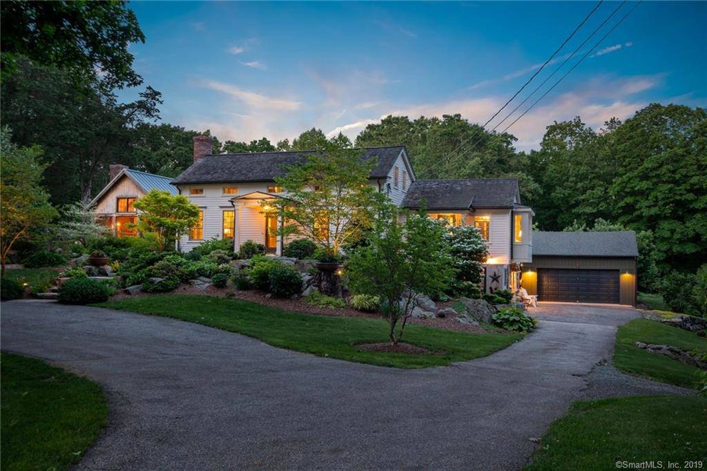 Single Family Home Sold in Newtown CT 06470. Old colonial cape cod house near waterfront with swimming pool and 2 car garage.