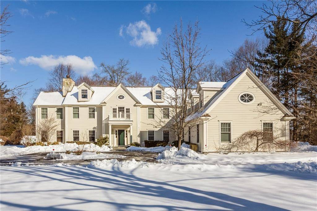 Mansion Sold in Stamford CT 06902. Big colonial house near waterfront with 3 car garage.