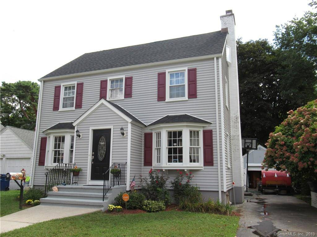Single Family Home Sold in Bridgeport CT 06604. Colonial house near beach side waterfront with swimming pool and 1 car garage.
