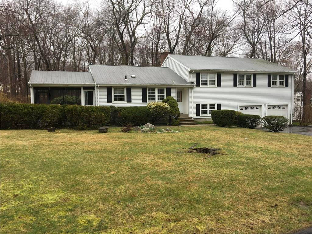 Single Family Home Sold in Stamford CT 06907.  house near waterfront with 2 car garage.