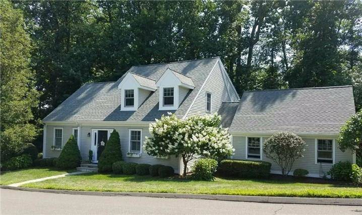 Condo Home Sold in Shelton CT 06484. Colonial cape cod house near waterfront with 2 car garage.