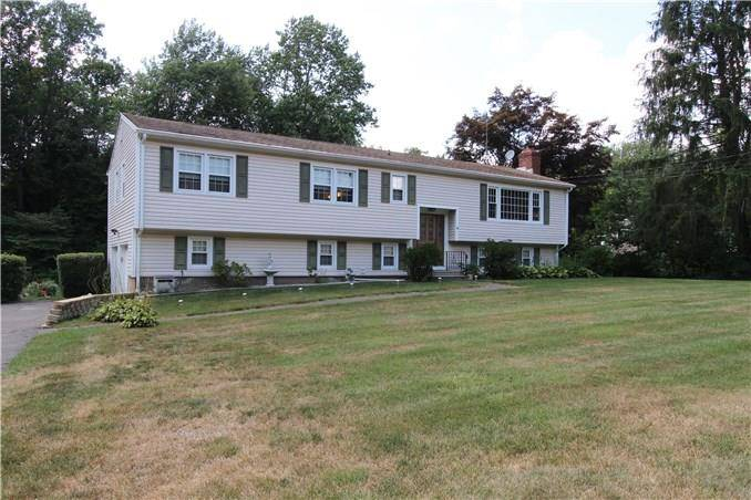 Single Family Home Sold in Shelton CT 06484. Ranch house near waterfront with swimming pool and 2 car garage.