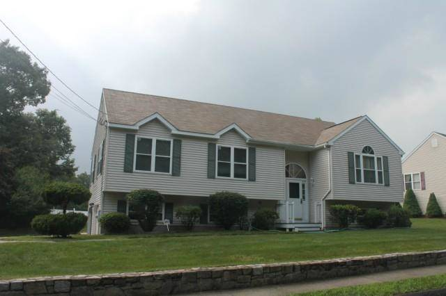 Single Family Home Rented in Shelton CT 06484. Contemporary, ranch house near waterfront with 2 car garage.