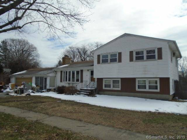 Foreclosure: Single Family Home Sold in Stratford CT 06614.  house near waterfront with 1 car garage.