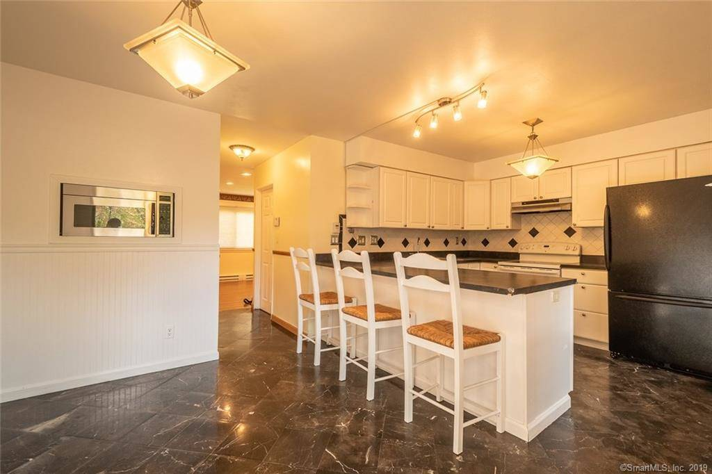 Condo Home Sold in Bridgeport CT 06606.  townhouse near waterfront with swimming pool.