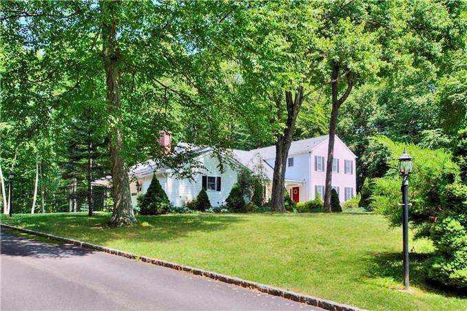 Single Family Home Sold in Easton CT 06612. Colonial house near beach side waterfront with 2 car garage.
