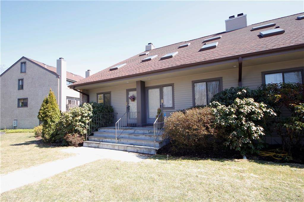 Condo Home Sold in Stamford CT 06905.  townhouse near beach side waterfront with swimming pool.