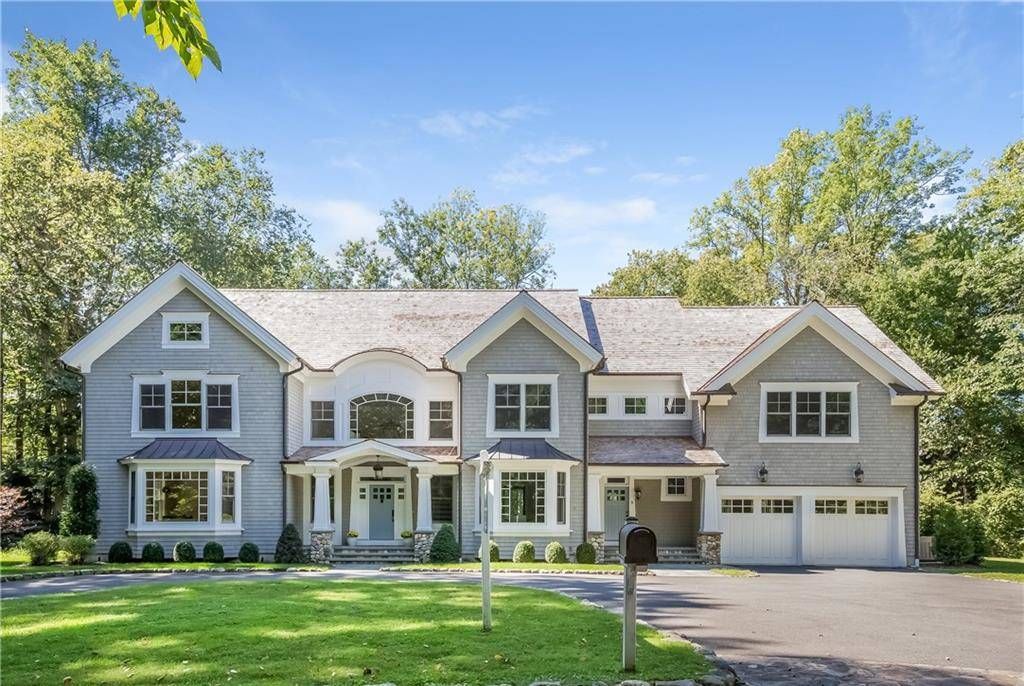 Luxury Single Family Home Sold in Darien CT 06820. Colonial house near waterfront with 2 car garage.