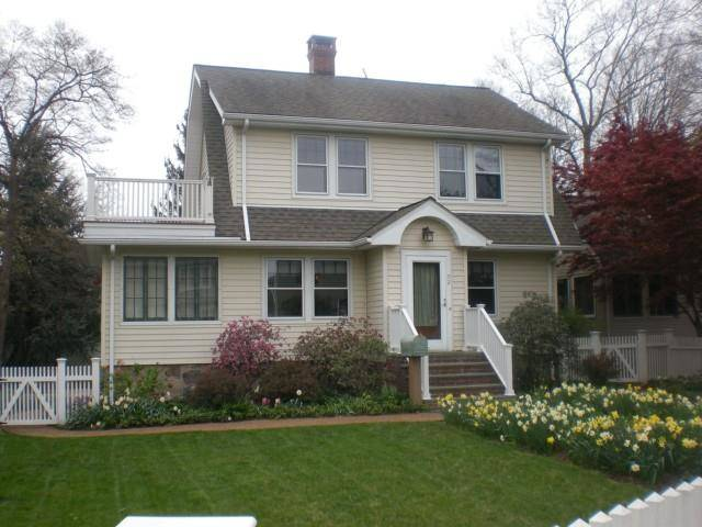 Single Family Home Rented in Norwalk CT 06854. Old colonial house near beach side waterfront with 1 car garage.