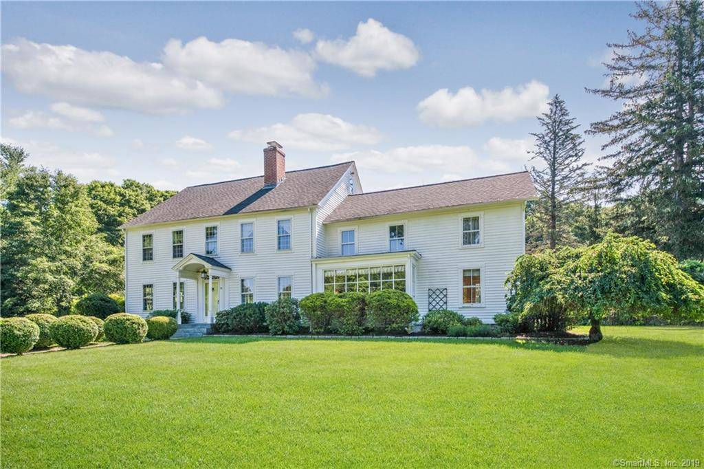 Single Family Home Sold in Newtown CT 06470. Old colonial house near lake side waterfront with 3 car garage.