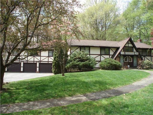 Single Family Home Sold in Stratford CT 06614. Ranch house near beach side waterfront with 5 car garage.