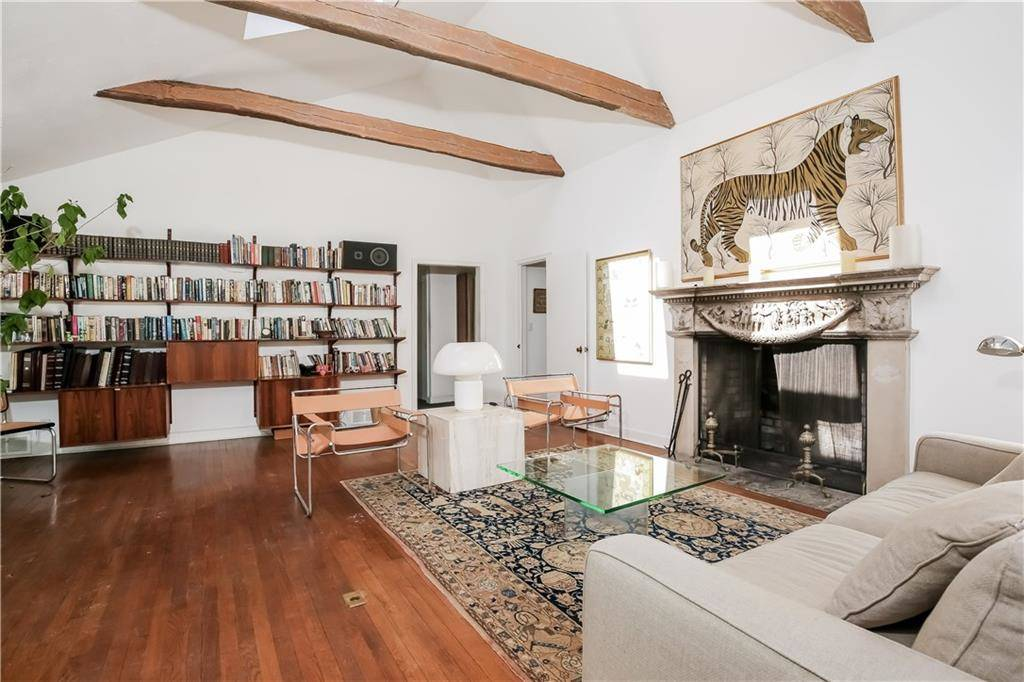 Single Family Home Sold in Westport CT 06880. Old ranch house near beach side waterfront with swimming pool and 1 car garage.