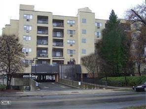 Condo Home Rented in Stamford CT 06907. Ranch house near beach side waterfront with 1 car garage.