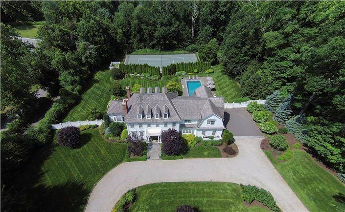 Luxury Mansion Sold in Westport CT 06880. Big colonial house near waterfront with swimming pool and 4 car garage.