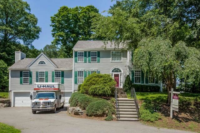 Single Family Home Sold in Norwalk CT 06850. Colonial house near beach side waterfront with 3 car garage.