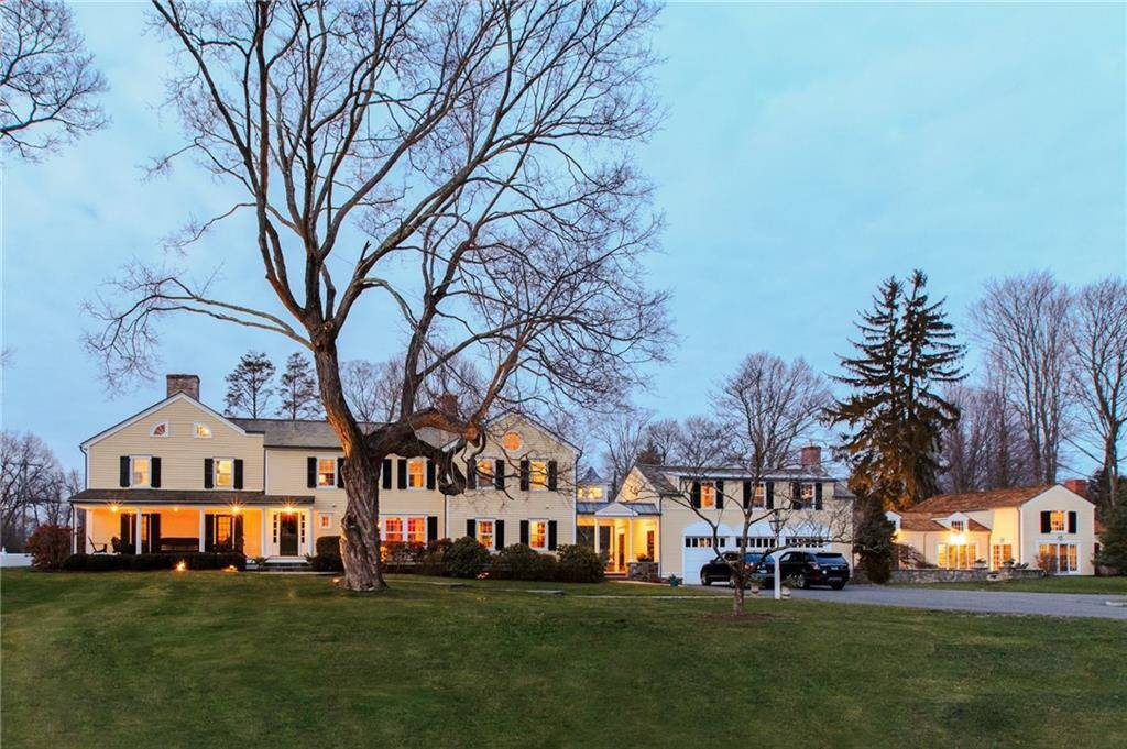 Luxury Single Family Home Sold in New Canaan CT 06840. Old antique house near waterfront with swimming pool and 3 car garage.